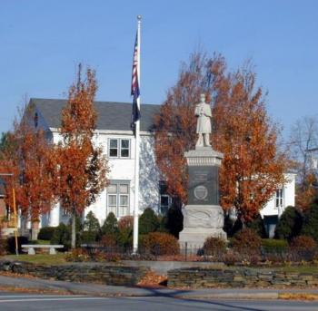 photo of monument square in the fall